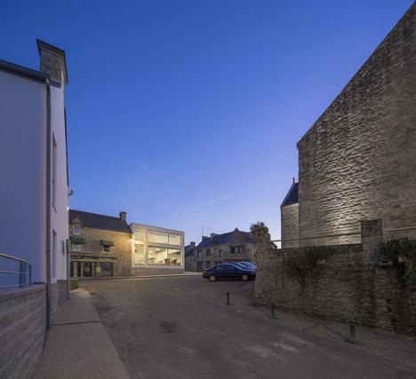 Mediatheque de Monterblanc by Studio 02 Architectes
