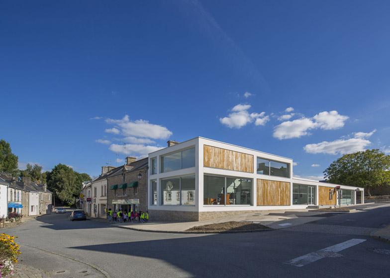 http://static.dezeen.com/uploads/2014/12/Mediatheque-de-Monterblanc-by-Studio-02-Architectes_dezeen_784_4.jpg