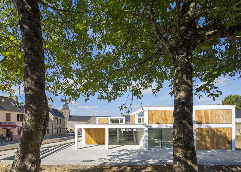 http://static.dezeen.com/uploads/2014/12/Mediatheque-de-Monterblanc-by-Studio-02-Architectes_dezeen_784_5.jpg