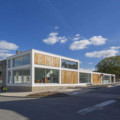 Mediatheque de Monterblanc by Studio 02 Architectes