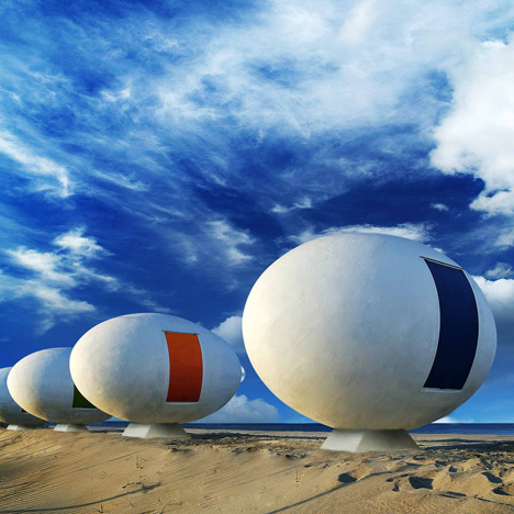 Mobile egg-shaped beach huts_dezeen_sq