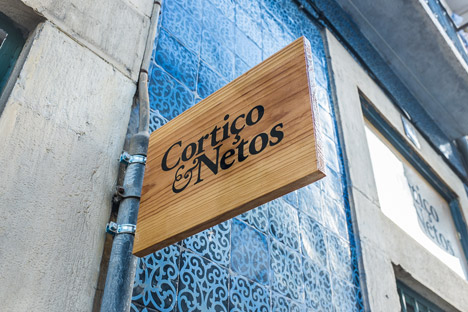 New-store-in-Lisbon-continues-a-family-business-by-Cortico-and-Netos_dezeen_468_13