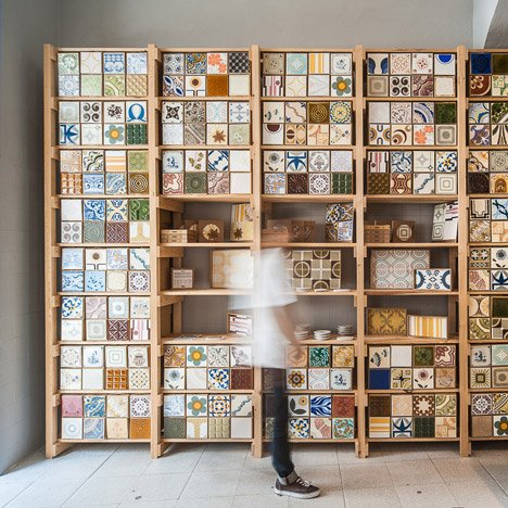New-store-in-Lisbon-continues-a-family-business-by-Cortico-and-Netos_dezeen_SQ02