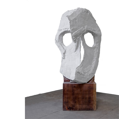 Thomas Houseago, Moon Mask (Two Plane), 2011. © 2014 Thomas Houseago / Artists Rights Society (Ars), New York /Adagp, Paris. Courtesy of Dominique Lévy Gallery