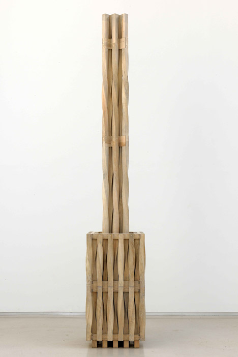 Richard Deacon, All Grown Up, 2010. Courtesy of Galerie Thaddaeus Ropac, Paris - Salzburg. Photograph by Charles Duprat