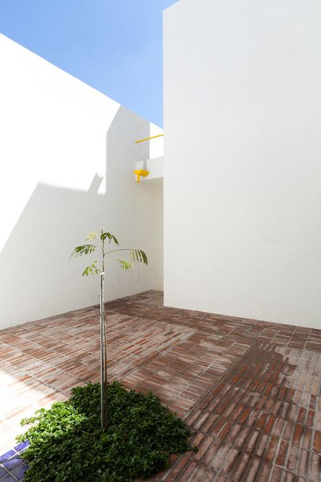 Pino Street House by Oscar Gutierrez