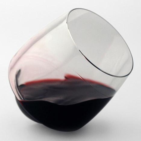 Saturn Wine Glasses by Superduperstudio