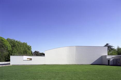 Serralves Museum by Alvaro Siza