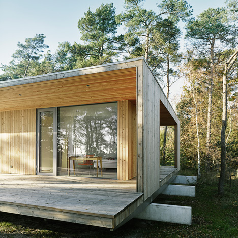 "Timber summerhouse by Johan Sundberg<br /> expresses ""Scandinavian architectural DNA"""