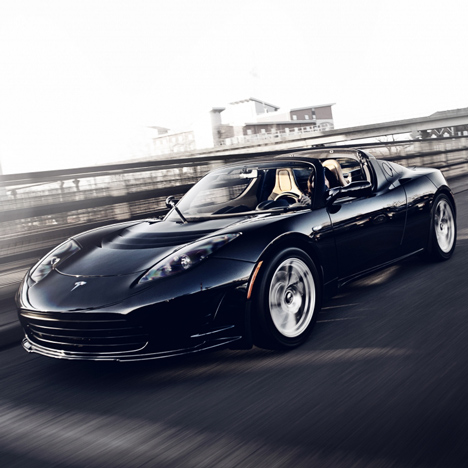 Tesla_Roadster-car_dezeen_sq