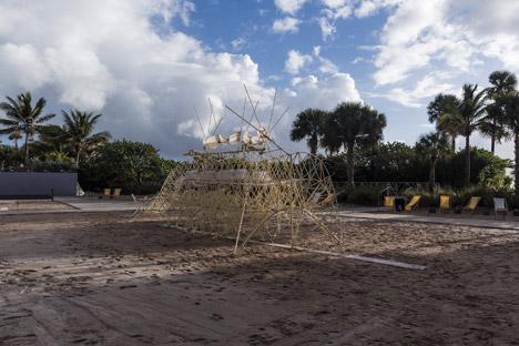 Strandbeest by Theo Jansen