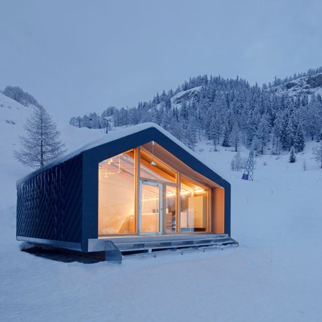 LEAPfactory installs prefabricated ski and snowboard school beside Mont Blanc Courmayeur Ski Snowboard School Leap Factory dezeen sq