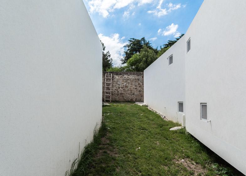 Five Casas by Carlos Alejandro Ciravegna