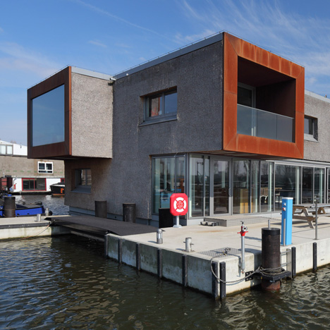 "Thatched office for Amsterdam's canal cleaners is ""the biggest ark in the Netherlands"""