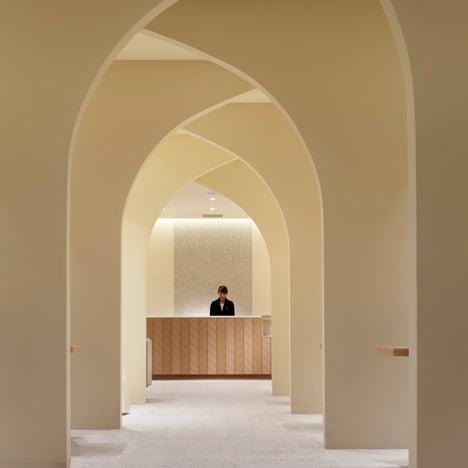 Hotel-Nikko-Kumamoto-Bridal-Salon-by-Ryo-Matsui-Architects_dezeen_sq02