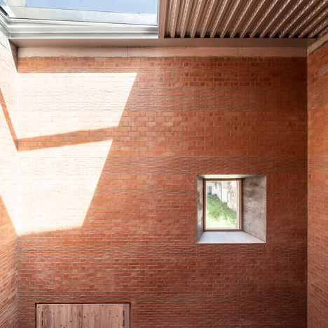 House 1014 in Barcelona by H Arquitectes