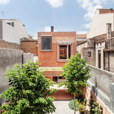 House-1014-in-Barcelona-by-HARQUITECTES_dezeen_784_0
