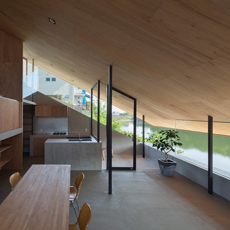House-in-Hibaru-by-Suppose-Design-Office_dezeen_sq02