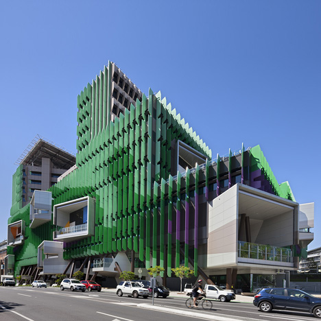 Lady-Cilento-Childrens-Hospital-by-Lyons_dezeen_SQ02