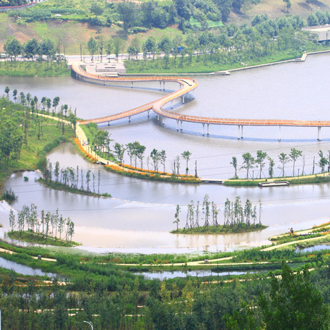 "Turenscape transforms ""lifeless ditch"" into wetland park with meandering causeways"