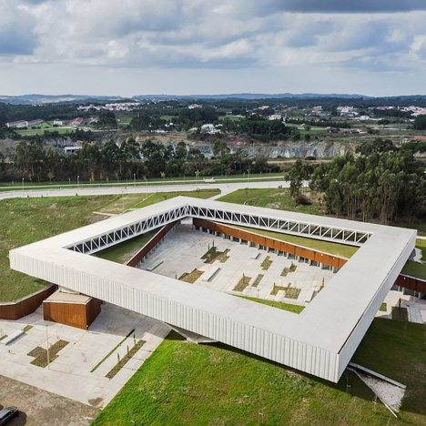 Óbidos Technological Park Main Building by Jorge Mealha