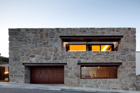 RM House in Felgueiras by FCC Arquitectura