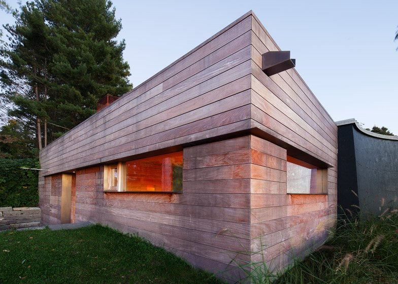 Sauna in the Hudson Valley by Andre Tchelistcheff Architects