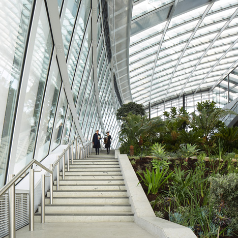 Sky Garden opens at the top of Rafael Viñoly's Walkie Talkie