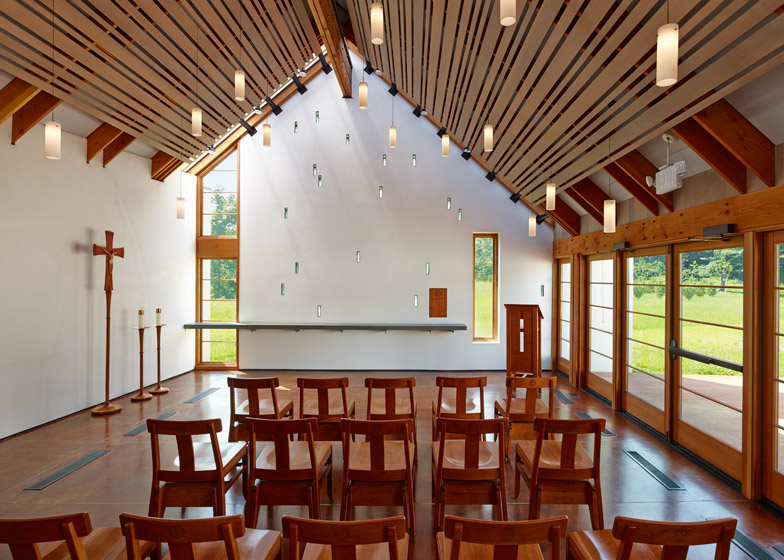 St. Ignatius Chapel by Dynerman Architects