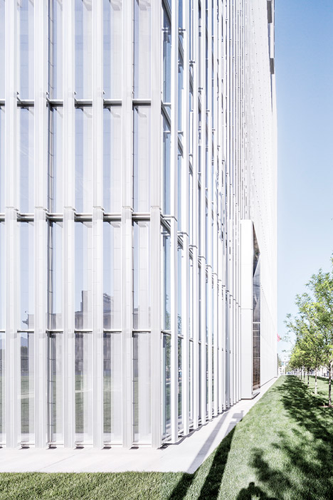 United-States-Courthouse-by-Thomas-Phifer-and-Partners_dezeen_468_13