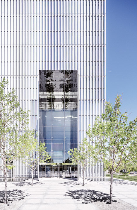 United-States-Courthouse-by-Thomas-Phifer-and-Partners_dezeen_468_5