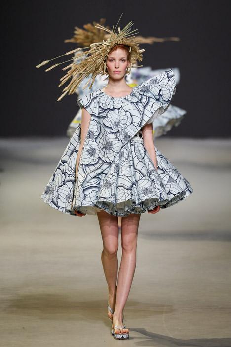 Fashion Show Haute Couture 2015 Viktor amp Rolf haute couture