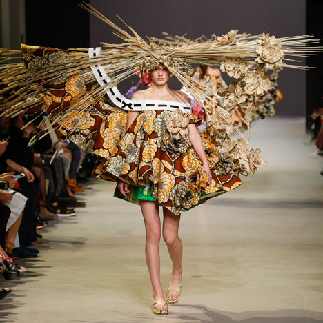 Viktor & Rolf turns Van Gogh artworks<br /> into sculptural haute-couture garments