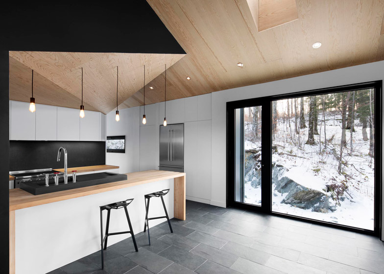 Bolton Residence by Nature Humaine