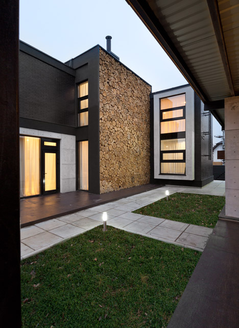 Buddys-house-by-Mahno_dezeen_468_2