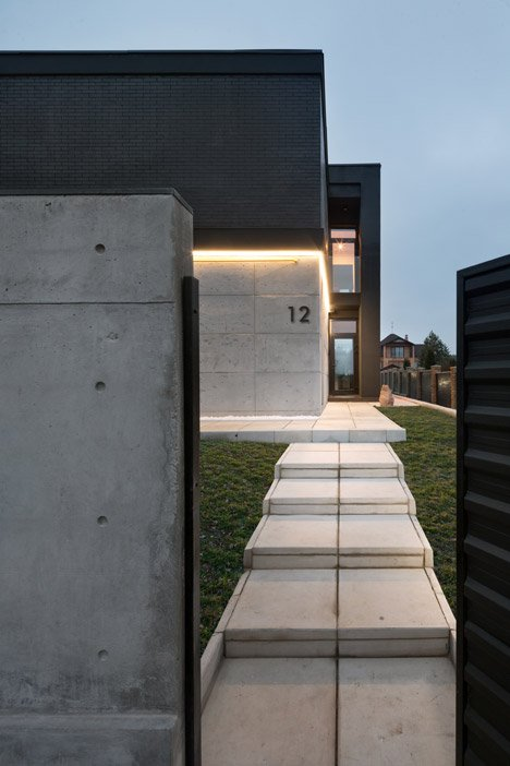 Buddys-house-by-Mahno_dezeen_468_4
