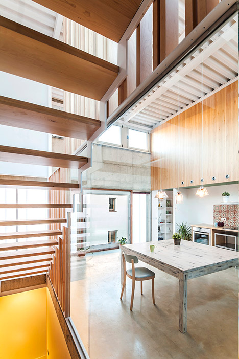Casa Migdia by SAU Taller de Arquitectura