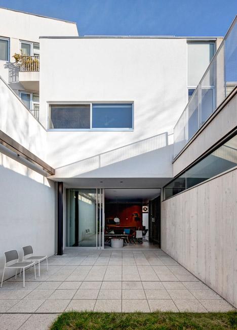 Courtyard House by Philippe Baumann
