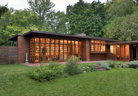 Frank-Lloyd-Wright-Herbert-and-Katherine-Jacobs-House_dezeen_468_1