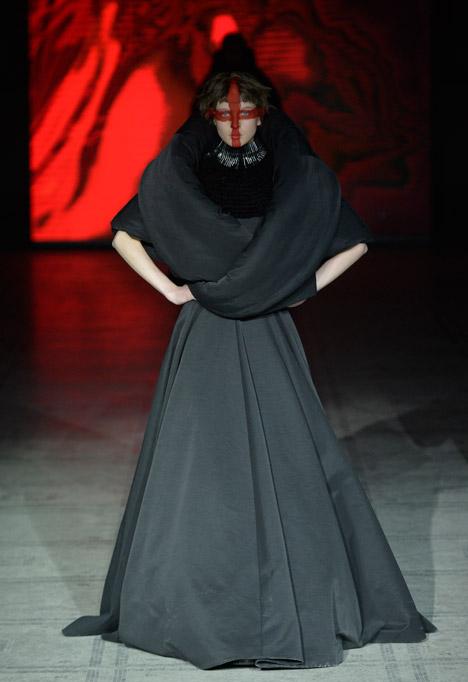 Gareth Pugh Autumn Winter 2015 at London Fashion Week