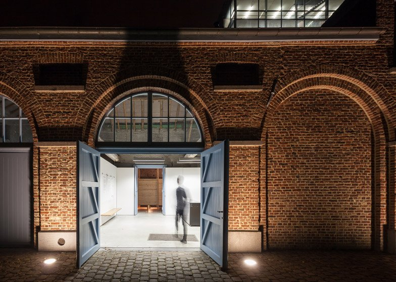 HALL03 in Kortrijk by TAAT