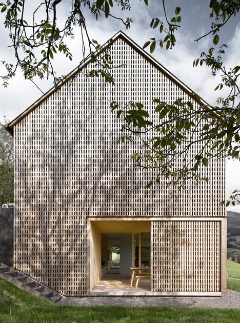 Haus-Fur-Julia-Und-Bjorn-by-Innauer-Matt-Architekten_dezeen_468_1
