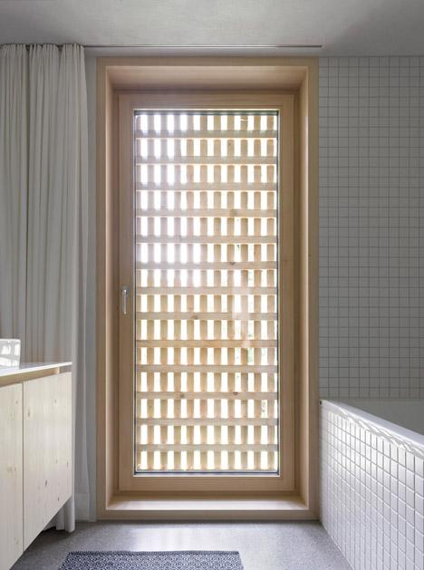 Haus-Fur-Julia-Und-Bjorn-by-Innauer-Matt-Architekten_dezeen_468_11