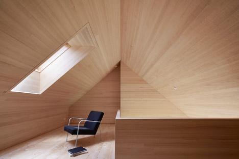 Haus-Fur-Julia-Und-Bjorn-by-Innauer-Matt-Architekten_dezeen_468_13