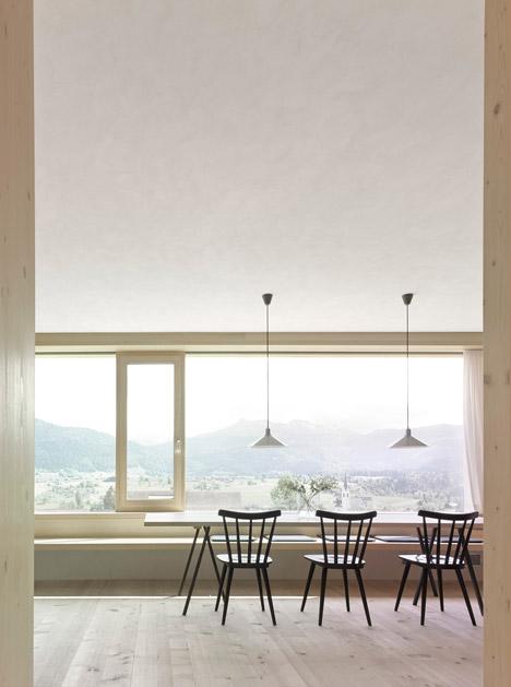Haus-Fur-Julia-Und-Bjorn-by-Innauer-Matt-Architekten_dezeen_468_6