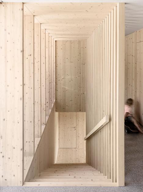 Haus-Fur-Julia-Und-Bjorn-by-Innauer-Matt-Architekten_dezeen_468_9
