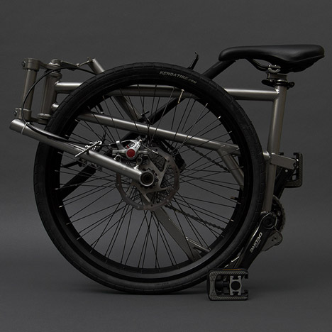 Helix-folding-bicycle-by-Peter-Boutakis_dezeen_468_3