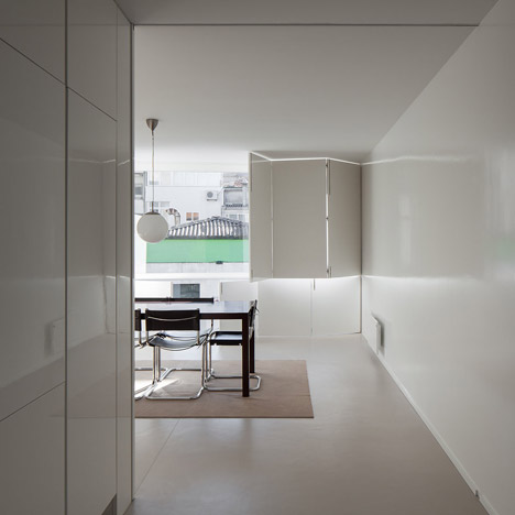 House in Lindo Vale by Cláudia Monteiro + Vitor Oliveira