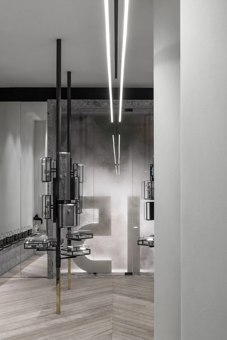 """Kois Associated Architects furnishes Athens jewellery shop with metal """"forest"""" and smoke"""