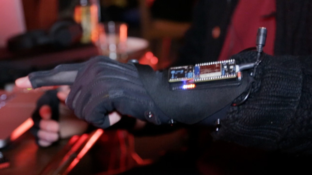 Mi.Mu gloves workshop with Imogen Heap